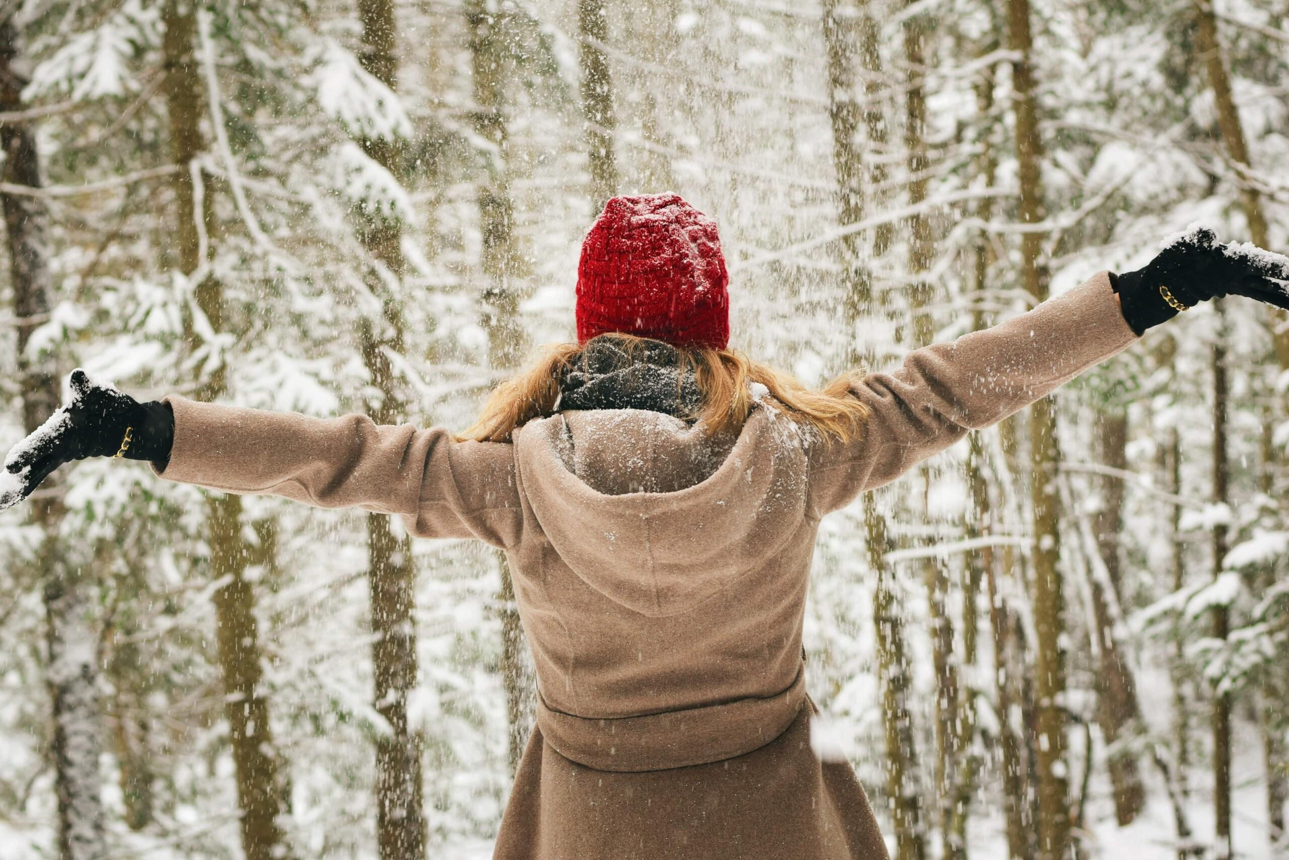 Mit diesen 10 Tipps kommst du nachhaltig durch die Winter- und Weihnachtszeit.