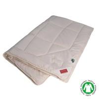 Ganzjahres-Decke mit Füllung aus Bio Schurwolle und Fassung aus Organic Cotton