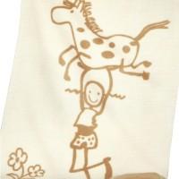 Bio-Kinderdecke mit Motiv, welches an eine beliebte Kinderserie erinnert